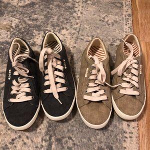Taos sneakers size 6.5